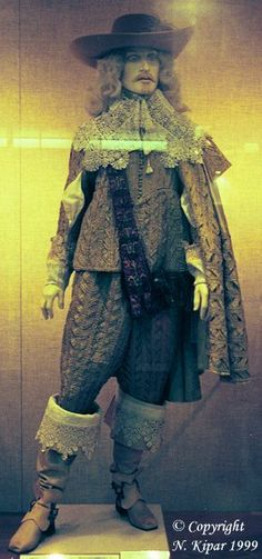 http://www.kipar.org/baroque-costumes/photos/costumes/male/suit3_1630_front2.jpg