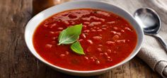 If you love the tomato & basil soup from Slimming World's food range, you can make it at home yourself – it's a soup-er lunchtime staple! Healthy Soup Recipes, Cooking Recipes, Basil Soup Recipe, Tomato Basil Soup, Winter Soups, Slimming World Recipes, Healthy Eating, Healthy Food, Healthy Lunches