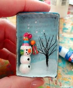 Teeny Christmas vignette DIY, craft - Use a match box or upcycle cardboard to frame holiday figures, etc. Use as gift toppers, gift tags, or ornaments. Noel Christmas, Winter Christmas, All Things Christmas, Christmas Ornaments, Thanksgiving Holiday, Matchbox Crafts, Matchbox Art, Holiday Crafts, Fun Crafts