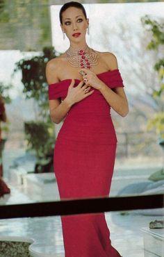 Marisa Berenson Photo by Karen Radkai, Vogue Paris, November 1975.