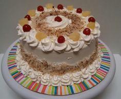 Pineapple/coconut cake Piña colada cake