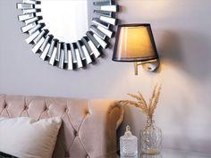 Elegantti sekä klassinen seinävalaisin yllättää käytännöllisyydellään. Kääntyvän jousivarsien ansiosta se on joustava, ja säädettävissä tarpeidesi mukaan joten se toimii erinomaisesti huoneessa kuin huoneessa. #beliani #belianisuomi #sisustus #homedecor #valaisimet #design Beliani, Decor, Wall, Wall Lights, Light, Furniture, Metal, Home Decor, Mirror