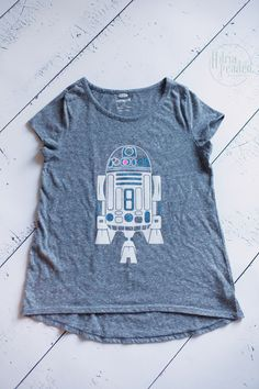 Star Wars inspired shirt for a girl featuring R2-D2 in glitter.  Use heat transfer vinyl and your @silhouettepins for your shirts.    adriapeaden.com/wordpress