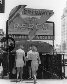 Pedestrians enter the tunnel to the arcade beneath the Jergins Trust building from the north side of Ocean Blvd. The tunnel provided safe access to the arcade, attractions, and beach for pedestrian… Long Beach California, Vintage California, San Luis Obispo County, Seal Beach, Love Dad, Googie, Old Buildings, Pedestrian, Historical Society