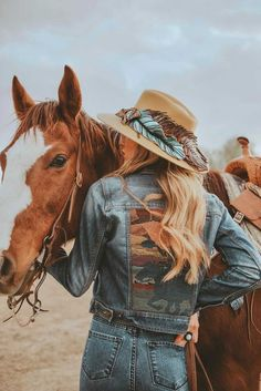 This Casey Curtis Designs x Revamped Rodeo collaborative photo shoot is giving us ultimate Western vibes! Rodeo Cowgirl, Cowgirl Hats, Photoshoot, Design, Photo Shoot, Photography