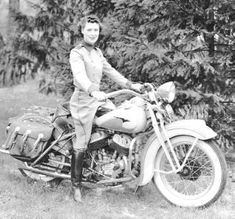The first woman's motorcycle club was created by Dot Robinson in 1939. This was a tough time period for women who rode due to conservative values of society. Women were seen as homemakers and stay-at-home moms, not bikers. The club is now known as Motor Maids Inc. (Photo repinned, source unknown)