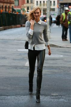 3465a4ae7398 Karlie Kloss is spotted out for a stroll in New York City Kožené Legíny