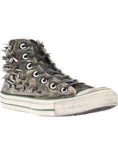 Converse Taches