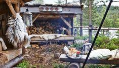 Overnatting under stjernehimmelen. Outdoor Spaces, Outdoor Living, House Deck, Interior Garden, Camping Survival, Metal Roof, Outdoor Furniture, Outdoor Decor, Outdoor Ideas