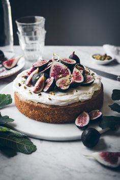 I shared an image of this cake on IG not too long ago and I was so happy to see that so many people where just as excited about fig season as I was. Fig season doesn't last too long, so I wanted to share this recipe before their time is up. This yogurt cake has been a staple recipe of mine fo
