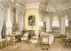 Drawing Room in the Hinton Ampner, Bramdean, Hampshire, Great Britain Luxury Homes Interior, Luxury Home Decor, Beautiful Interiors, Beautiful Homes, French Interiors, Romantic Homes, Classic Interior, Historical Architecture, Living Room Modern