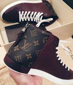 32 Ideas Sneakers 2018 Louis Vuitton For 2019 Baskets Louis Vuitton, Louis Vuitton Handbags, Lv Handbags, Fashion Handbags, Fashion Bags, Designer Handbags, Fashion Trends, Hot Shoes, Shoes Heels