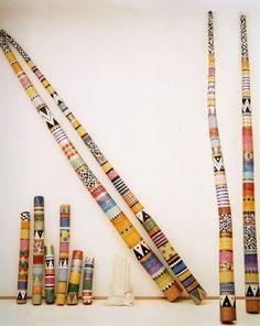 might paint the Power Pole that is in my garden like this.I might paint the Power Pole that is in my garden like this. Painted Driftwood, Driftwood Crafts, Spirit Sticks, Garden Poles, Stick Art, Creation Deco, Painted Sticks, Walking Sticks, Aboriginal Art