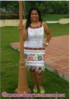 Beautiful mix of pajitaembroidery and mundillo dress