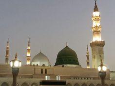 المسجد النبوي \ قمت بالتقاط الصورة بعد صلاة الفجر