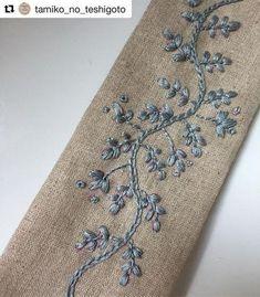 @tamiko_no_teshigoto #needlework #handembroidery #ricamo #embroidery #bordado #broderie Diy Embroidery, Border Embroidery, Hand Embroidery Stitches, Embroidery Needles, Silk Ribbon Embroidery, Cross Stitch Embroidery, Embroidery Designs, Fall Table, Embroidered Flowers