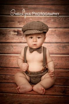Ideas Baby Photography Ideas Vintage For 2019 Baby Boy Photography, Children Photography, Photography Ideas, Vintage Photography, Baby Boy Pictures, Newborn Pictures, Book Bebe, 6 Month Baby Picture Ideas, Foto Baby