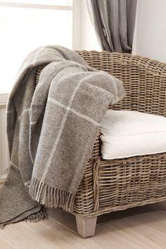 BOTEH 68 - blanket #textiles #homedesign #home #interior #blanket #sisustus #peite #sisustusidea #lahjaisea #sisustaminen #koti #uuttakotiin #inredning #huopa #woolblanket #wool