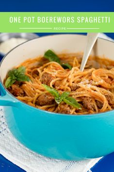 Quick & Easy one-pot boerewors spaghetti, serves up a filling and tasty innovative South African recipe in no time. Easy Pasta Recipes, Spaghetti Recipes, Dinner Recipes, Quick Recipes, South African Dishes, South African Recipes, Ethnic Recipes, Sausage Recipes, Cooking Recipes