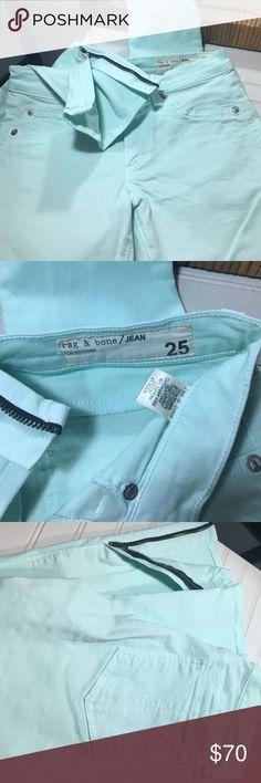 rag and bone zipper Capri 💙💚 Awesome zipper ankle capris. Color is a mint green. No wearing or marks anywhere! z#0907 rag & bone Pants Capris