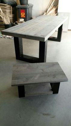 Eettafel en salontafel in dezelfde stijl van gebruikt steigerhout. Greywash blad met zwarte blokpoten.  Meer info via DeJongVintageDesign@Gmail.com via www.facebook.com/DeJongVintageDesign of even bellen.  Elk formaat en elke afwerking mogelijk.