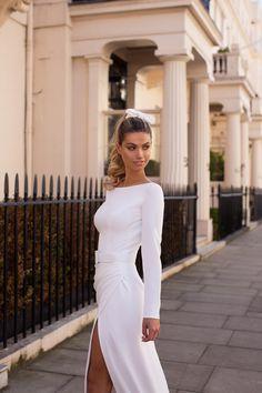 Milla Nova Brautkleider - Just White Bridal Collection - Robe de mariage Slit Wedding Dress, Stunning Wedding Dresses, Classic Wedding Dress, White Wedding Dresses, Prom Dresses, Bridal Collection, Dress Collection, Conservative Wedding Dress, The Bride