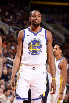 Kevin Durant of the Golden State Warriors smiles against the Phoenix Suns on February 8 2019 at Talking Stick Resort Arena in Phoenix Arizona NOTE TO. Kevin Durant Basketball, Basketball Drills, Basketball Players, Basketball Quotes, Talking Stick Resort Arena, Nba Warriors, 2018 Nba Champions, Durant Nba, Nba League