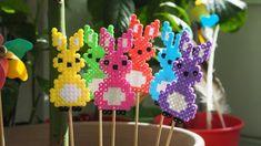 Hama Beads Design, Diy Perler Beads, Hama Beads Patterns, Beading Patterns, Bead Crafts, Diy And Crafts, Crafts For Kids, Cat Cross Stitches, Iron Beads