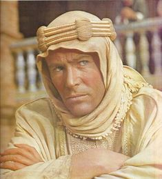 Peter O'Toole Lawrence of Arabia directed by David Lean Peter O'Toole as T. Old Hollywood Actors, Classic Hollywood, David Lean, Peter O'toole, Lawrence Of Arabia, Dramatic Arts, Western Film, Pop Heroes, Actor Model