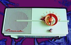 Coronado radio Atomic Pistachio color 1949 original 5 tube in working condition!