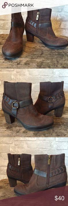 Clarks Brown Booties Comfy and cute brown heeled ankle boots. Clarks Active Air brand in very good condition only worn once or twice. Heel is about 2.5 inches. I am a top-rated seller and fast shipper 🎉🎉 Clarks Shoes Ankle Boots & Booties
