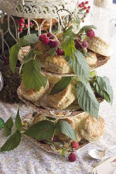 Scones with autumn berries - autumn cake stand - thevintagehire.com