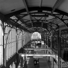 Utrecht CS, Perronkap spoor begin jaren 80 Utrecht, Rotterdam, Bus Station, Historical Photos, Netherlands, Holland, Trains, Places To Visit, Interior Design