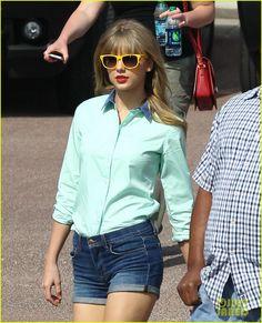 Taylor Swift: Trampoline Jumper at Photo Shoot!