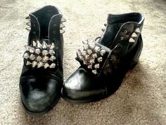 studded boots 30 minutes. This is not cute, but it got some ideas started in my head.