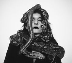 Marina Abramovic, Dragon heads, 1990
