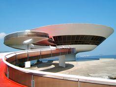 Museu de Arte Contemporânea de Niterói faz parte do complexo arquitetônico Caminho Niemeyer- Rio de Janeiro