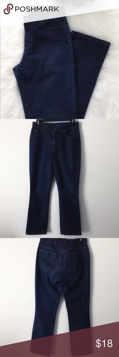 Guess Jeans Guess Jeans inseam: 28 inches length: 39 inches waist laid flat: 13 inches. No visible or known flaws. No pets smoke free home. Guess Jeans Straight Leg