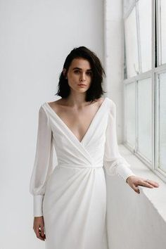 Nikki Wedding Dress by Karen Willis Holmes | View Designer Profile on LOVE FIND CO.