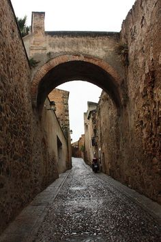 Cáceres la vieja / Old Cáceres by BermudezLievano, via Flickr