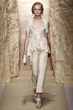 Donna Karan | Spring 2011 Ready-to-Wear Collection | Style.com