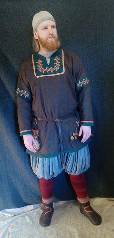 Frühe mittelalterliche Wikinger wollene Tunika mit von GardarViking