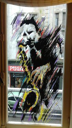 Saxo. Markers on Window.