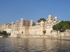 The charming city is located at the base of Aravalli hills. Udaipur is a delightful place and has many names. People call it Venice of East, City of Lakes and city of sunrise.