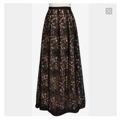 Black maxi skirt, Brokat