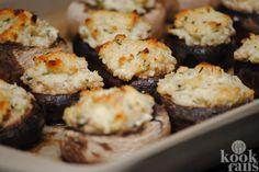 Wat een heerlijk borrelhapje! Deze champignons met roomkaas moet je echt proberen!