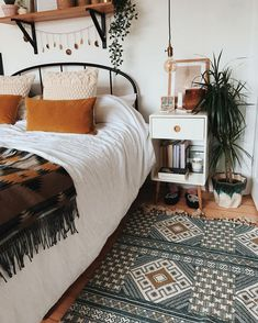 What are the Secrets of the Bohemian (Boho) Style? 4 ways to blow bohemian style at home …, … – Bedroom Inspirations Boho Bedroom Decor, Room Ideas Bedroom, Home Bedroom, Ikea Bedroom, Bedrooms, Tribal Bedroom, Bedroom Furniture, Boho Room, Bedroom Designs