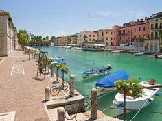 L'Hotel Johnson a Peschiera del Garda è il posto ideale per chi vuole trascorrere una vacanza all'insegna del divertimento, ma anche della tranquillità. Visita il sito www.hoteljohnson.com e prenota direttamente con #htlbooking il #bookingengine #peschiera #lagodigarda #estate #gardaland #canevaworld #spiaggia #summer2015 #divertimento #prenotaora #booknow