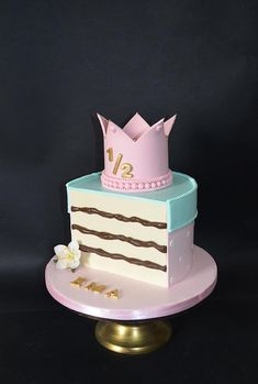 half birthday-half cake by Delice Half Birthday Baby, Half Birthday Cakes, Baby Girl Cakes, Occasion Cakes, Cake Tutorial, Celebration Cakes, Baby Shower Cakes, Let Them Eat Cake, Cake Designs