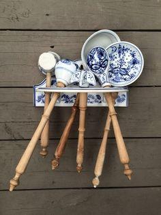 Antique BLUE ONION PATTERN china SET - 6 KITCHEN UTENSILS Wood Handles & rack